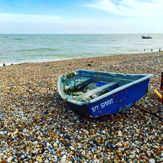 Beautiful Country & Seaside Walks on the South Coast of England - Lucy Williams Global