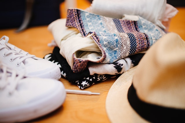 5 Tips How to Buy & Pack a Capsule Wardrobe - Lucy Williams Global